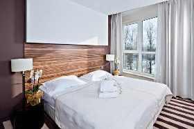 3 Übernachtungen im DZ Standard, Halbpension, Nutzung von Schwimmhalle, Whirlpool, Sauna, Fitness, Bademantel & Safe im Zimmer, Buchungsgebühr, Sicherungsschein
